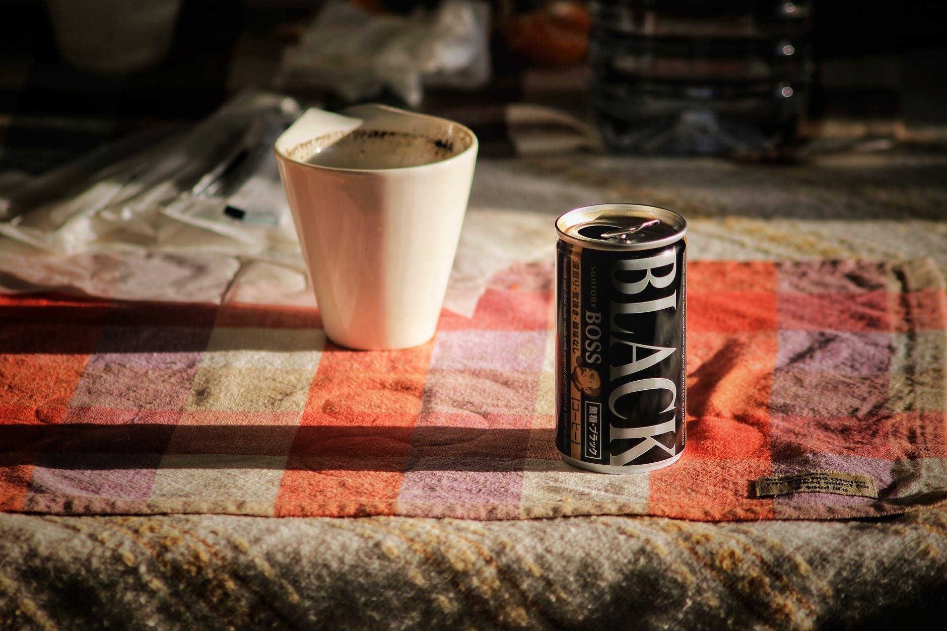 กาแฟกระป๋อง กับ แก้วกาแฟ